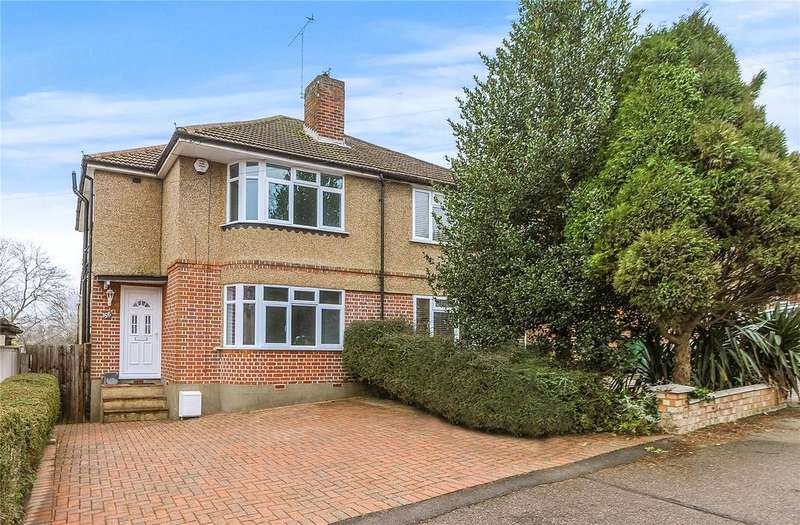 3 Bedrooms Semi Detached House for rent in Oakleigh Drive, Croxley Green, Rickmansworth, Hertfordshire, WD3