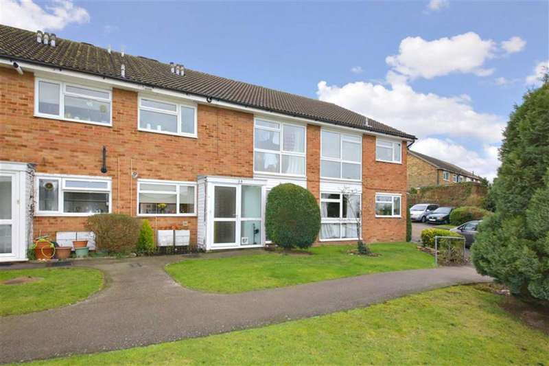 2 Bedrooms Maisonette Flat for sale in Englefield Close, Enfield, Middlesex