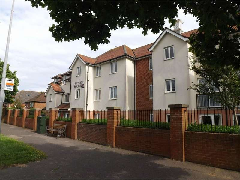2 Bedrooms Flat for sale in Cooden Drive, Bexhill-on-Sea, East Sussex