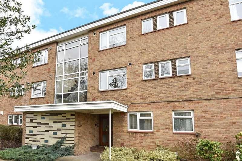 2 Bedrooms Flat for sale in River Grove Park, Beckenham