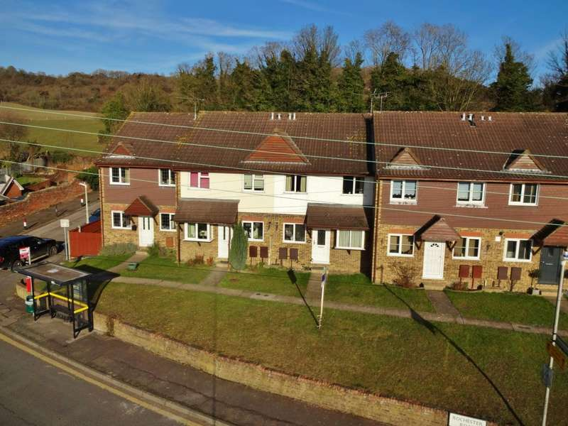 3 Bedrooms Terraced House for sale in Rochester Road, Burham