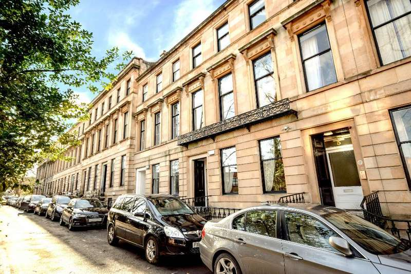 1 Bedroom Flat for sale in Southpark Terrace, Garden Flat, Hillhead, Glasgow, G12 8LG