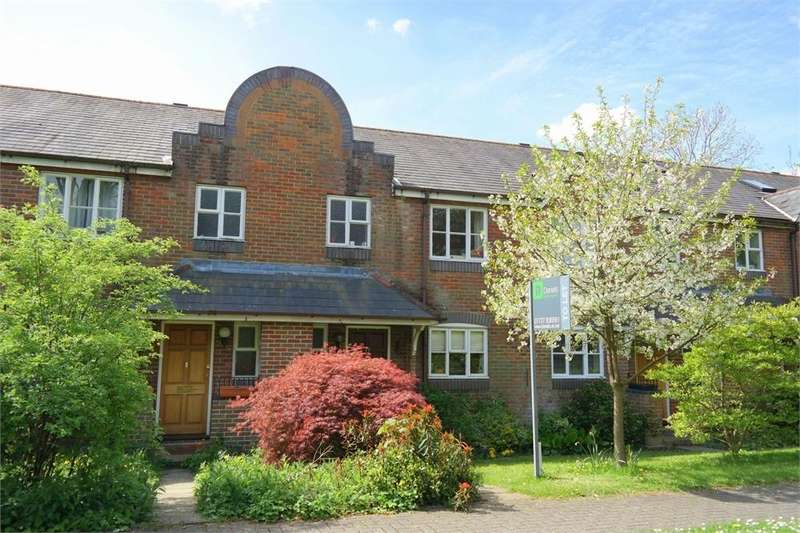 3 Bedrooms Town House for rent in De Tany Court, St Albans, Hertfordshire