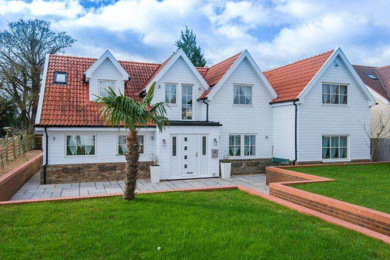 5 Bedrooms Detached House for sale in Slicketts Lane, Dunstable