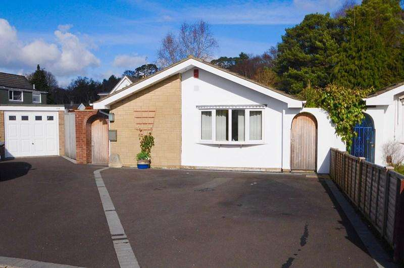 3 Bedrooms Bungalow for sale in South Western Crescent, Lower Parkstone, Poole