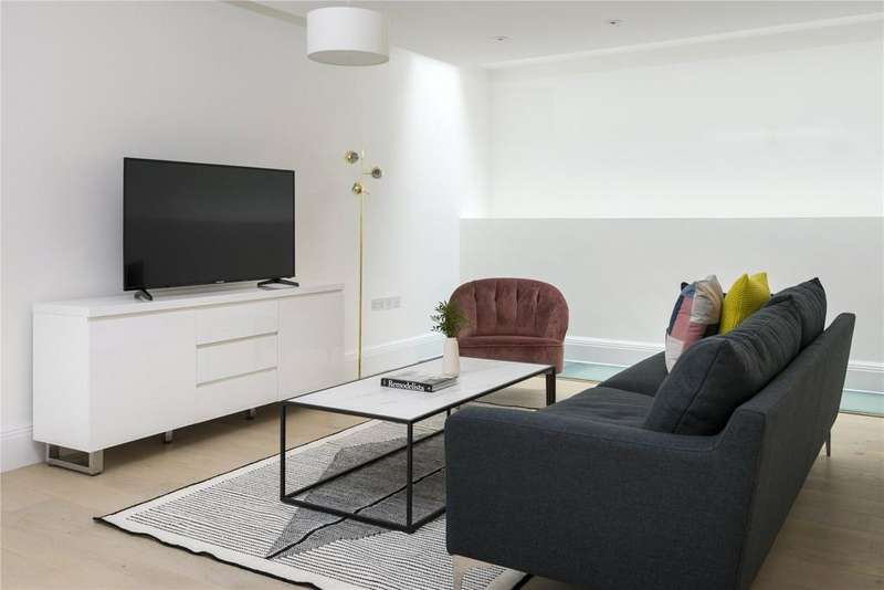 3 Bedrooms Flat for rent in Lincoln's Inn Field's, Holborn, London, WC2A