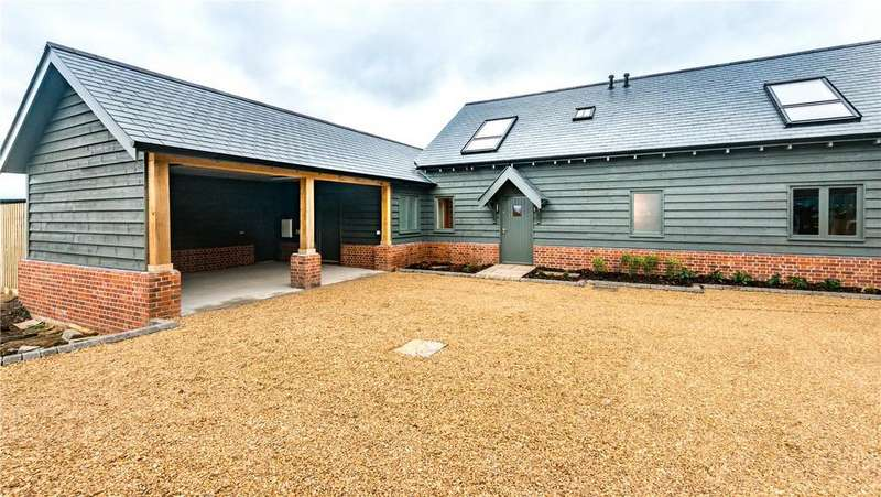 4 Bedrooms Unique Property for sale in The Cart Shed, Swan Court, Middle Watch, Swavesey, Cambridge, CB24