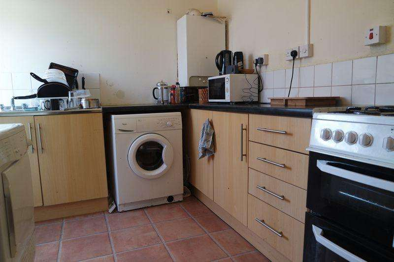 3 Bedrooms Apartment Flat for rent in Rectory Road First Floor, Cardiff