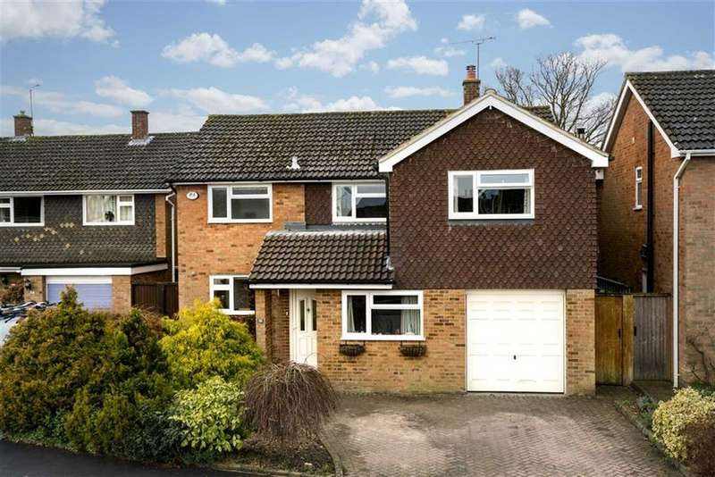 4 Bedrooms Detached House for sale in Brackendale Grove, Harpenden, Hertfordshire