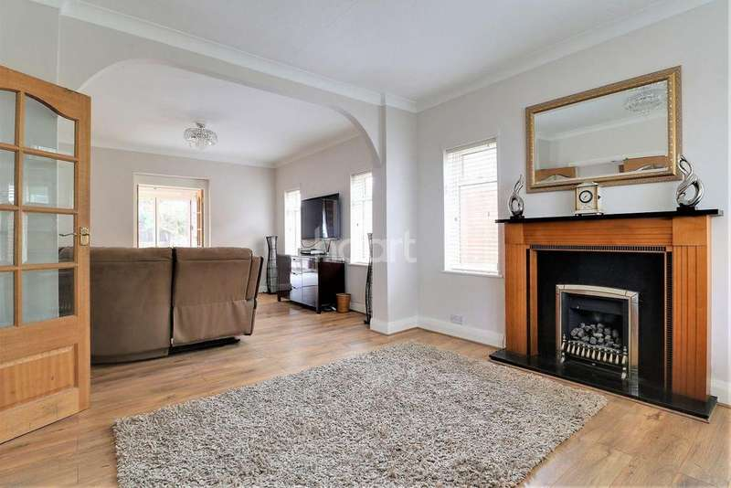 4 Bedrooms Detached House for sale in Star Lane, Orpington