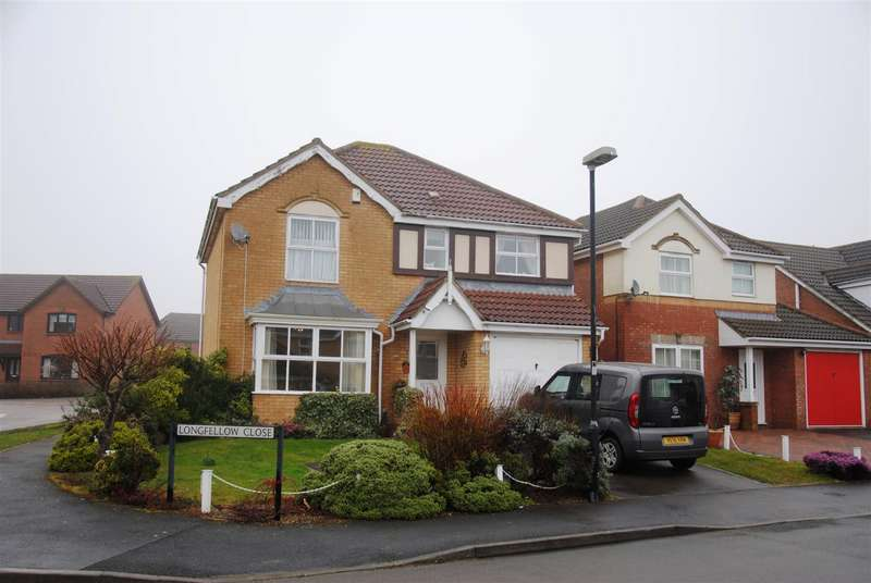 4 Bedrooms Detached House for rent in Longfellow Close, St Andrew's Ridge, Swindon