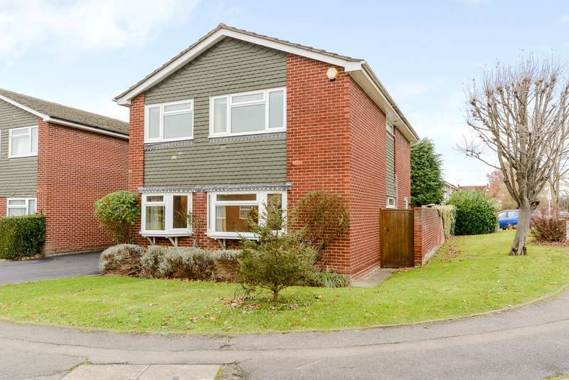 4 Bedrooms Detached House for sale in Wenlock Edge, Charvil, Berkshire, RG10