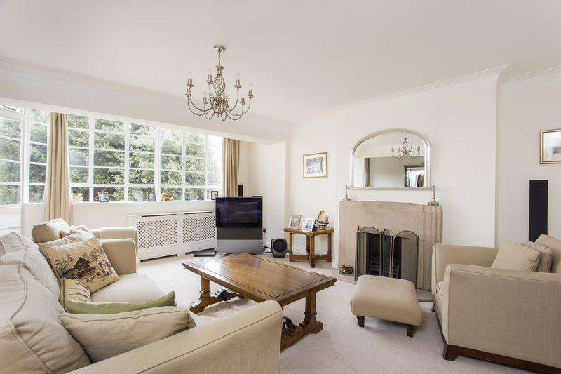 3 Bedrooms Apartment Flat for sale in Cholmeley Lodge, Cholmeley Park, Highgate Village, N6