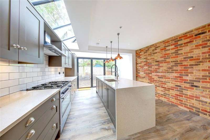 4 Bedrooms End Of Terrace House for rent in Gomer Gardens, Teddington, TW11