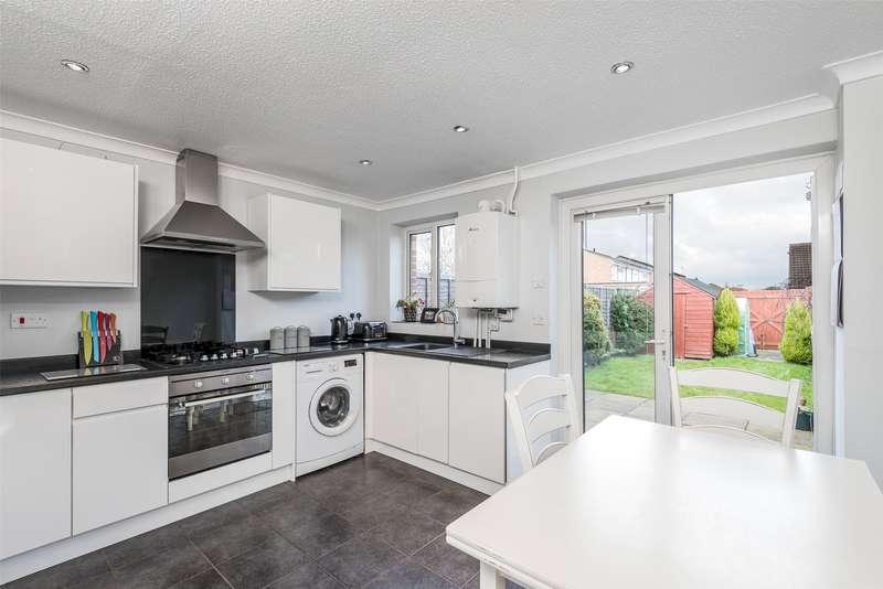 2 Bedrooms Terraced House for sale in Tanyard Way, Horley, Surrey, RH6
