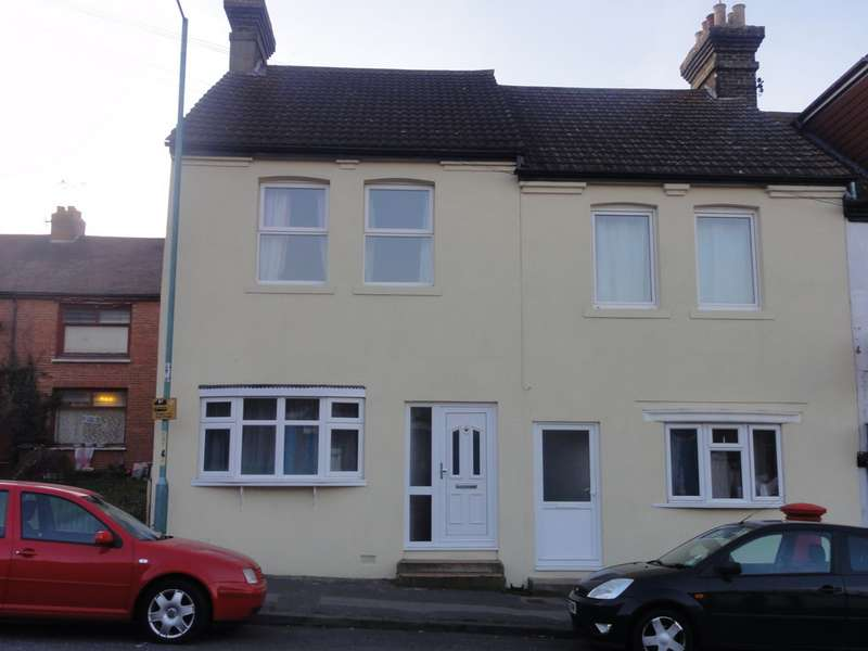 6 Bedrooms Terraced House for rent in Church Street, Gillingham ME7