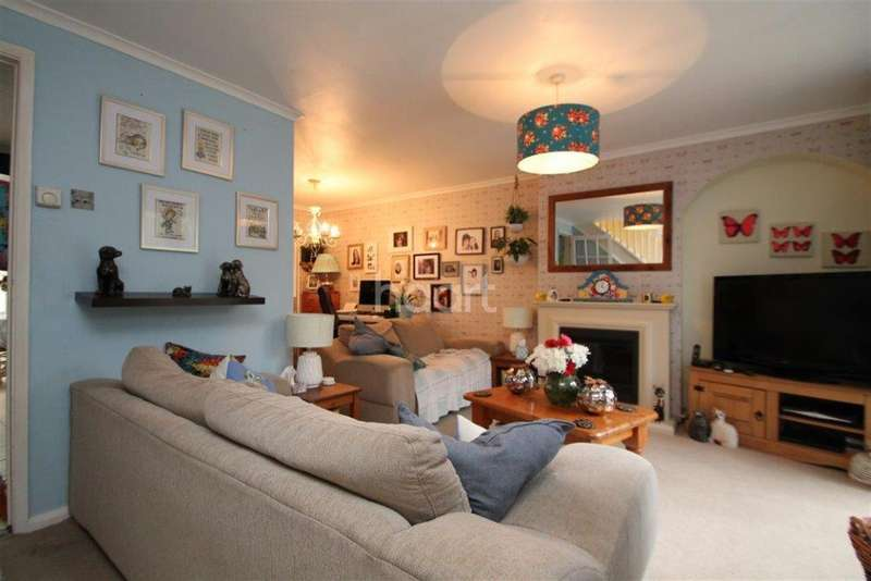 3 Bedrooms Semi Detached House for rent in Byerly Place, Downs Barn