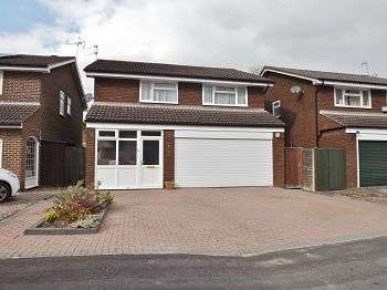 4 Bedrooms House for sale in Widley Gardens, Widley, PO7 5RB