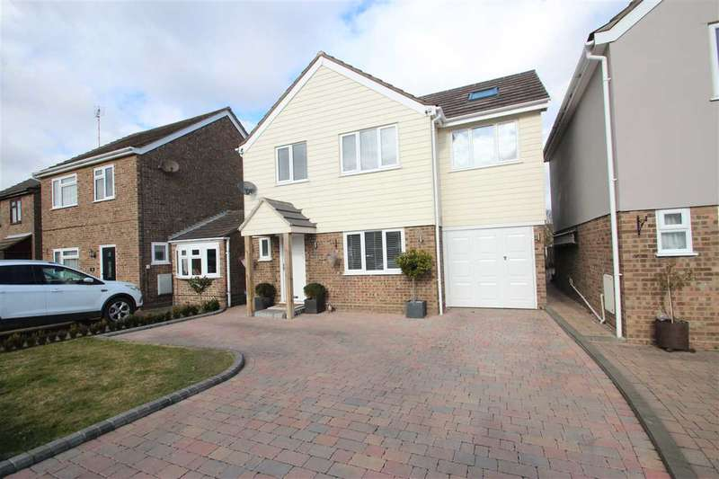 4 Bedrooms Detached House for sale in Clover Drive, Thorrington