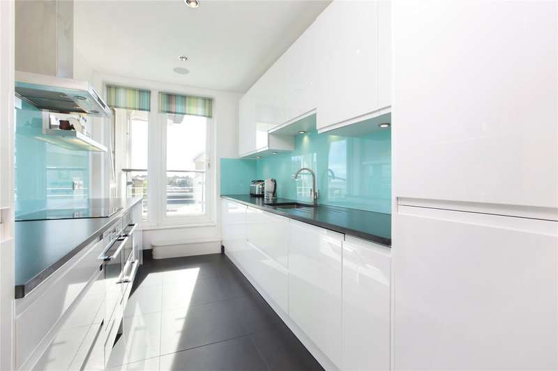 2 Bedrooms Apartment Flat for sale in Dolphin House, Smugglers Way, London, SW18