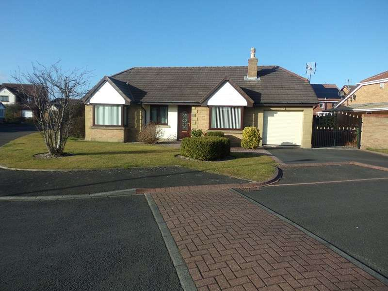 3 Bedrooms Bungalow for sale in Grange Close, Blyth, Northumberland, NE24 3HS