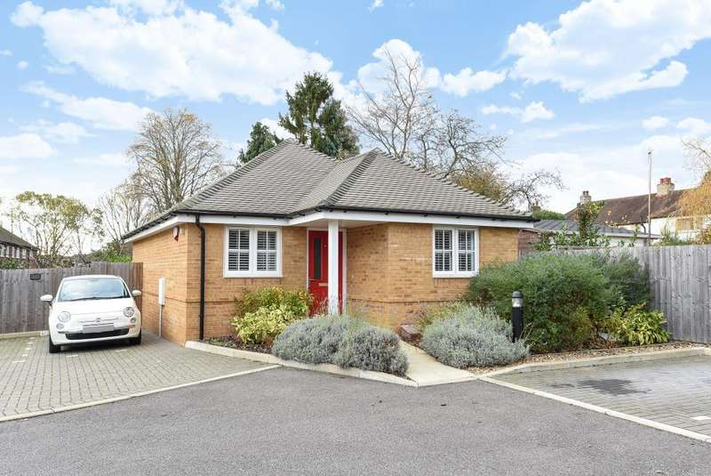 2 Bedrooms Detached Bungalow for sale in Amersham, Buckinghamshire, HP7