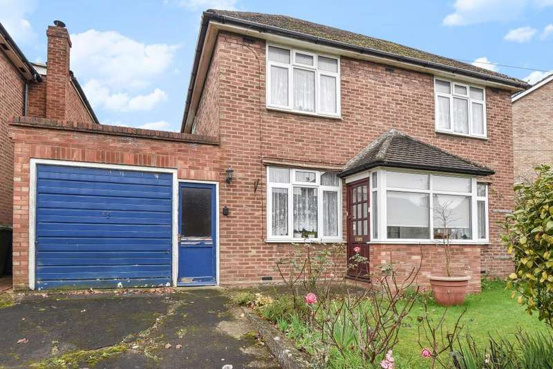 3 Bedrooms Detached House for sale in Downley, Buckinghamshire, HP13