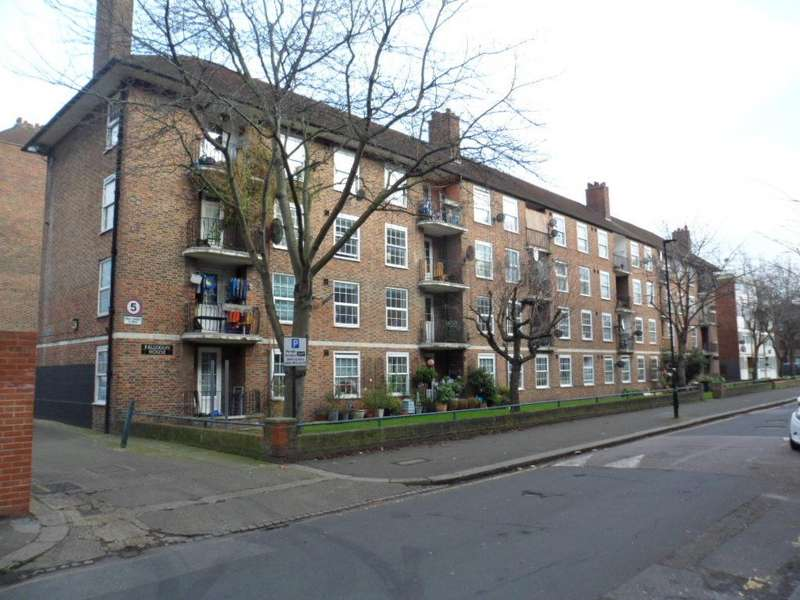 2 Bedrooms Ground Flat for sale in FALLODON HOUSE, SMEDLEY STREET, UNION GROVE, SW9 2QR