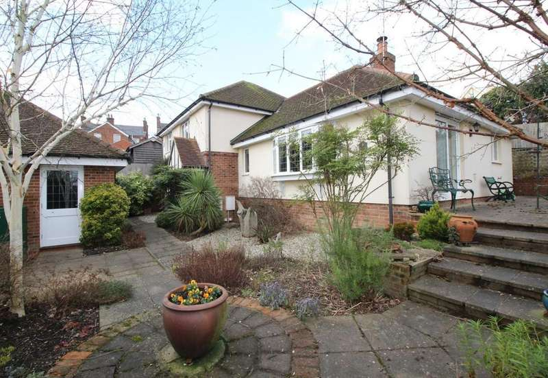 4 Bedrooms Detached House for sale in Chapel Mews, Billericay, Essex, CM12