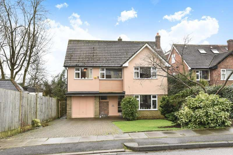 4 Bedrooms Detached House for sale in Manorside, Barnet, EN5