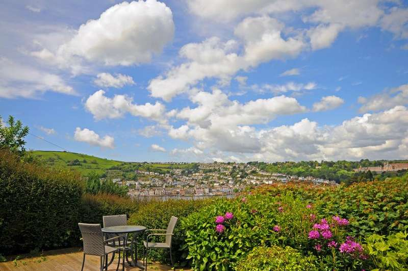 3 Bedrooms Detached House for sale in Broadview Court, Higher Contour Road, Kinsgwear, Dartmouth, Devon TQ6 0DE