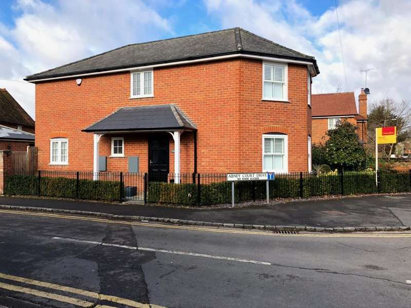 3 Bedrooms Detached House for rent in Abney Court Drive, Maidenhead, SL8