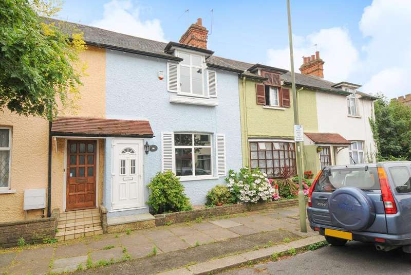 2 Bedrooms House for sale in Edgware, Middlesex, HA8