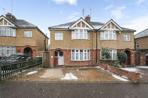 3 Bedrooms Semi Detached House for sale in The Coppice, Watford, Hertfordshire