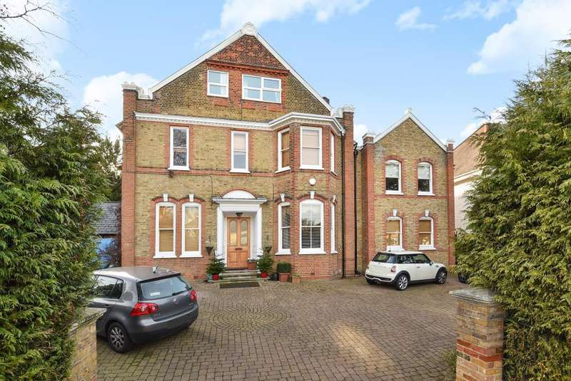 6 Bedrooms Detached House for sale in Oakleigh Park South, London, N20