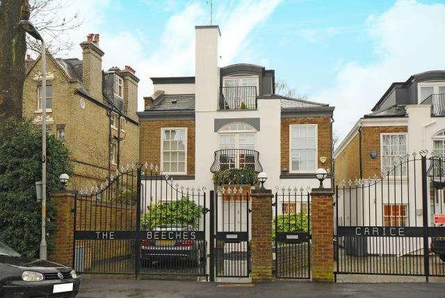 4 Bedrooms Detached House for sale in Bishopswood Road, Kenwood, Highgate N6, N6