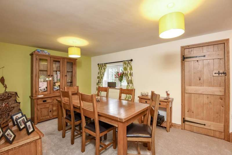 3 Bedrooms Cottage House for sale in Newland, Witney, OX28