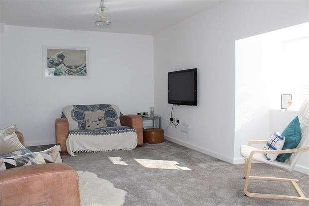 3 Bedrooms Flat for sale in West Street, Banwell, BS29 6DB