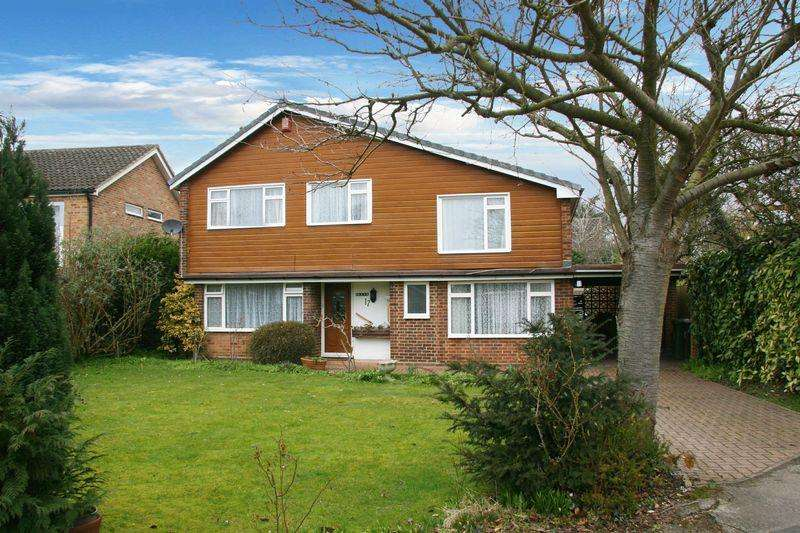 5 Bedrooms Detached House for rent in Scott Close, Farnham Common