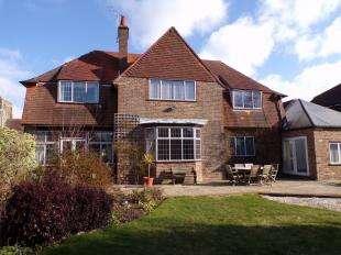 4 Bedrooms Detached House for sale in Gossamer Lane, Bognor Regis, West Sussex