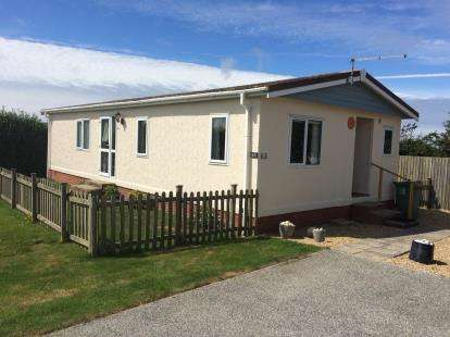 3 Bedrooms Mobile Home for sale in St Merryn Holiday Park, Cornwall