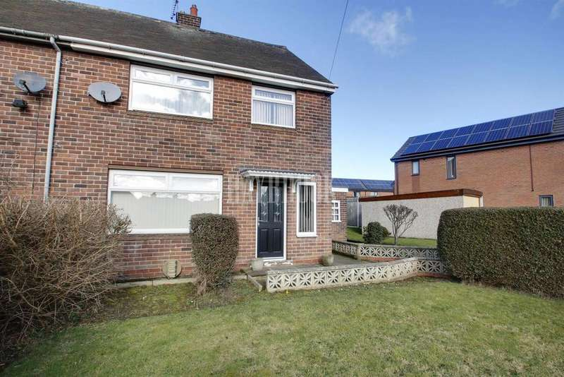 3 Bedrooms Semi Detached House for sale in The Avenue, Pilley
