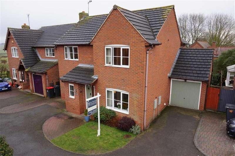 4 Bedrooms Detached House for sale in Warton