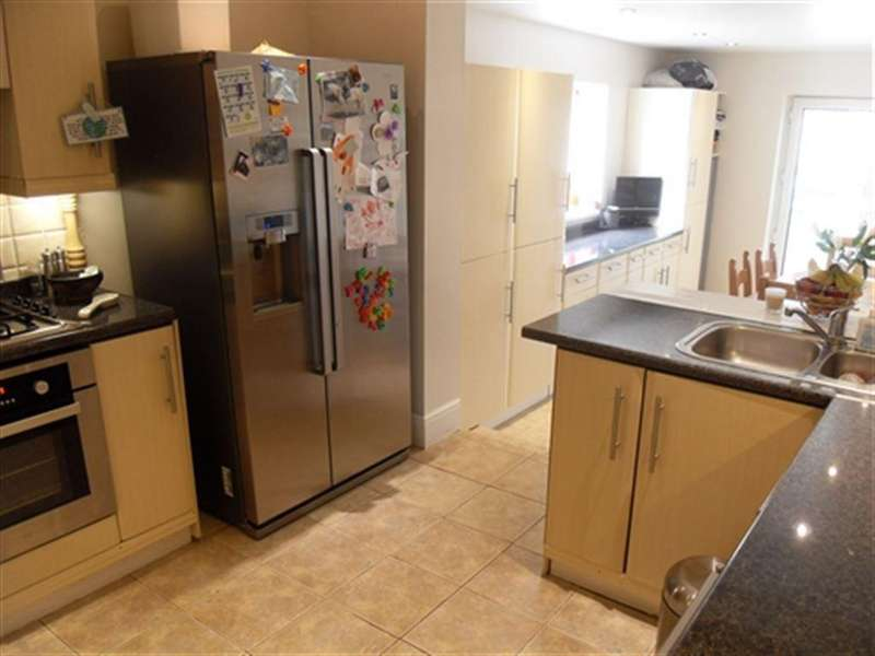 3 Bedrooms House for rent in Newport Road, North Cave, East Yorkshire