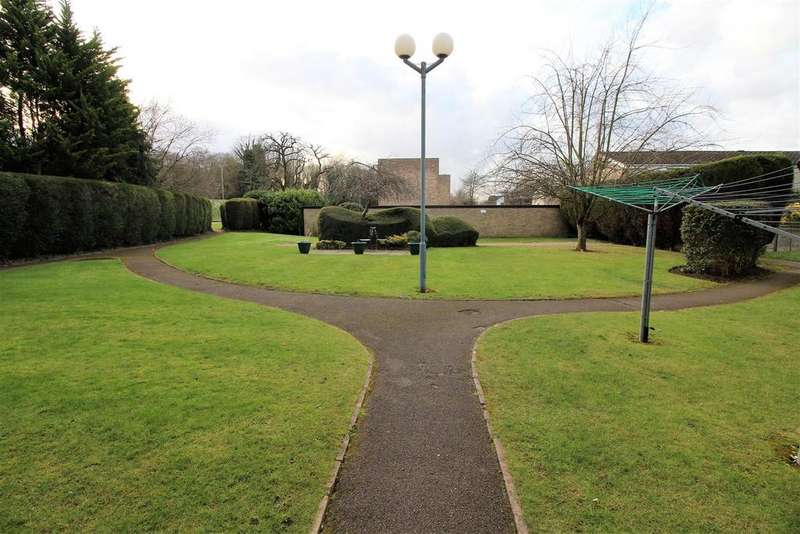 2 Bedrooms Flat for sale in Eagle Way, Great Warley, Brentwood