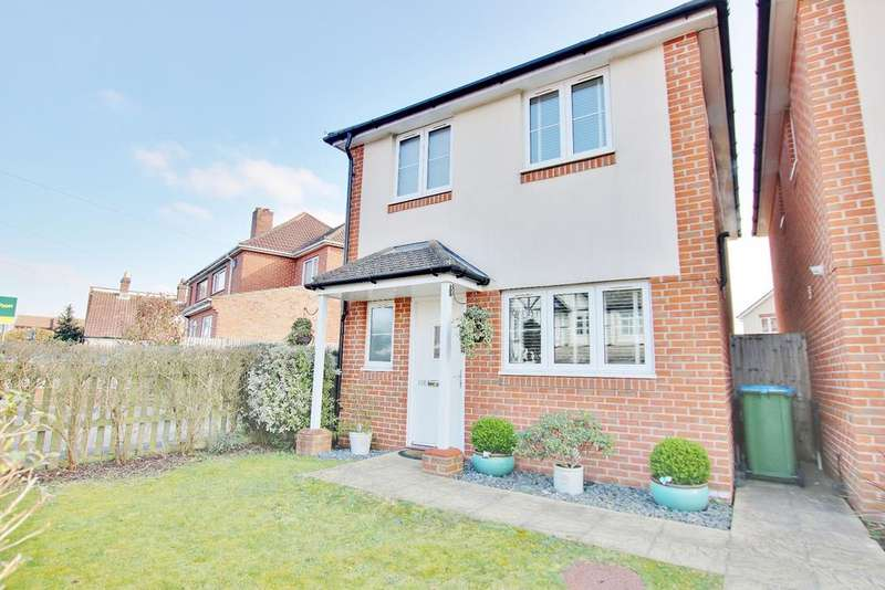 3 Bedrooms Detached House for sale in St Monica Road, Sholing