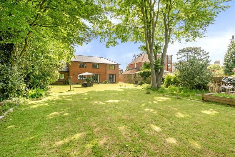 4 Bedrooms Detached House for sale in Station Road, Halstead, Sevenoaks, Kent, TN14