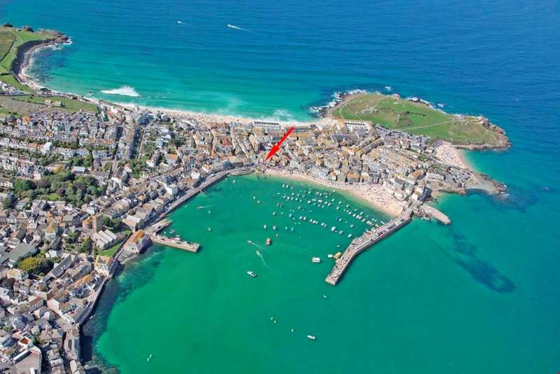 3 Bedrooms Town House for sale in The Wharf, St Ives, West Cornwall, TR26