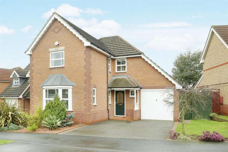 4 Bedrooms Detached House for sale in Wych Elm Road, Oadby