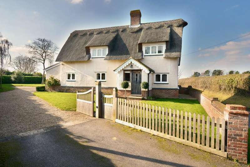 4 Bedrooms Detached House for sale in Saxon Street, Newmarket, Suffolk